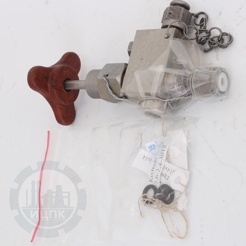 Приспособление для зарядки и проверки давления зарядки аккумулятора ч.577-99.2828-01 фото №2